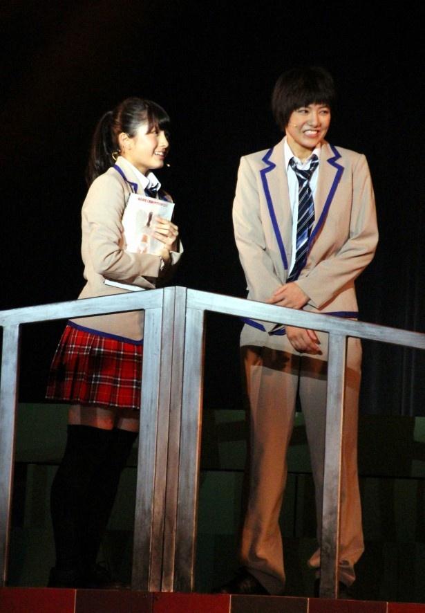 学校では同じクラスの寛子(大和田)と実(宮澤)