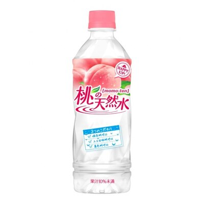 【写真を見る】1996年より販売され好評を得ている「桃の天然水」(税別140円)