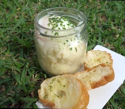 エッグスラットは、ふわふわのマッシュポテトととろとろの半熟卵の組み合わせが美味しい!