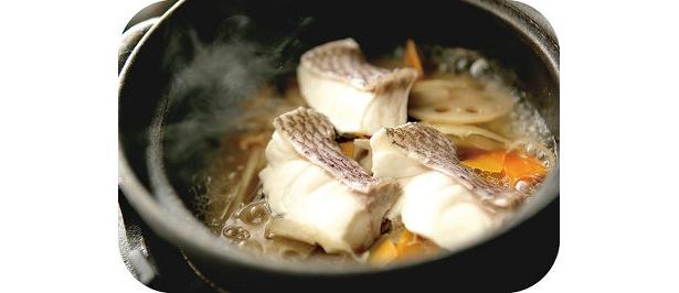 「鯛めし ちどり」の一汁三菜膳(¥1554)