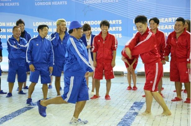 カンニング竹山、山崎ら芸人たちがさまざまな水泳競技で対決!