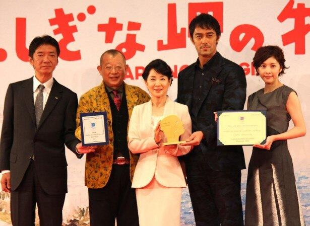 【写真を見る】吉永小百合、阿部寛、竹内結子、笑福亭鶴瓶とともに喜びの報告。鶴瓶はタモリからの嫉妬も告白!