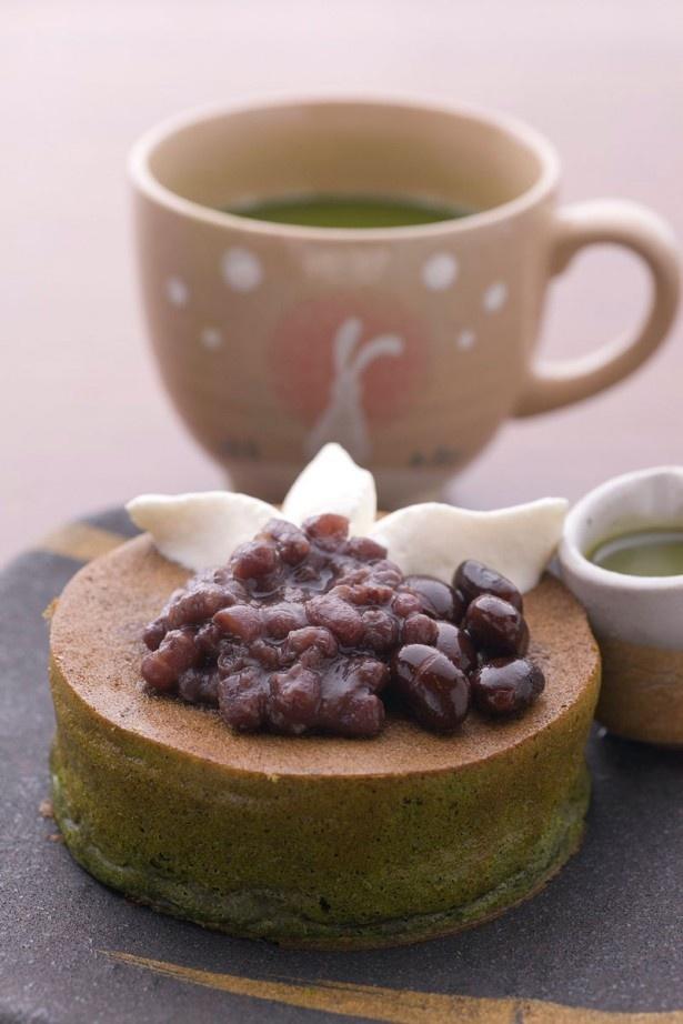 「雪ノ下 京都本店」の静岡牧之原茶の緑 国産純生クリームと粒あんで¥800