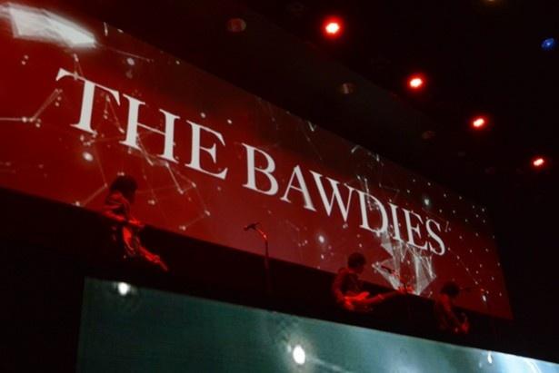 THE BAWDIESは4曲を披露