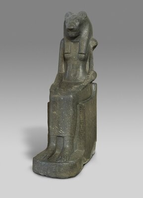 セクメト女神像