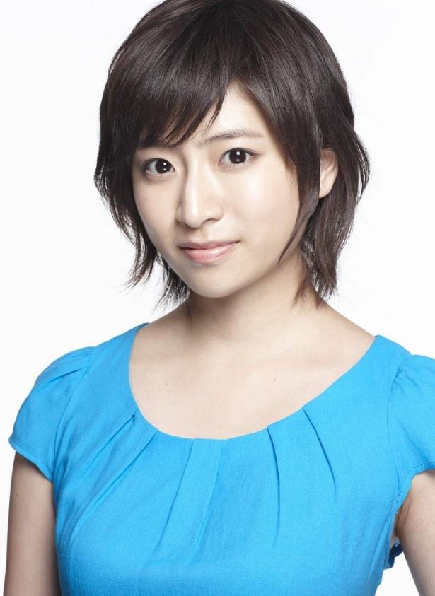カフェ店員・宇佐見夏希役の南沢奈央は「過去に戻れるTAXIというのが一見SFっぽい設定なのに、枝分さんがどこか普通なので、『現実でもあり得るかも!』と思えてしまいます」と語る