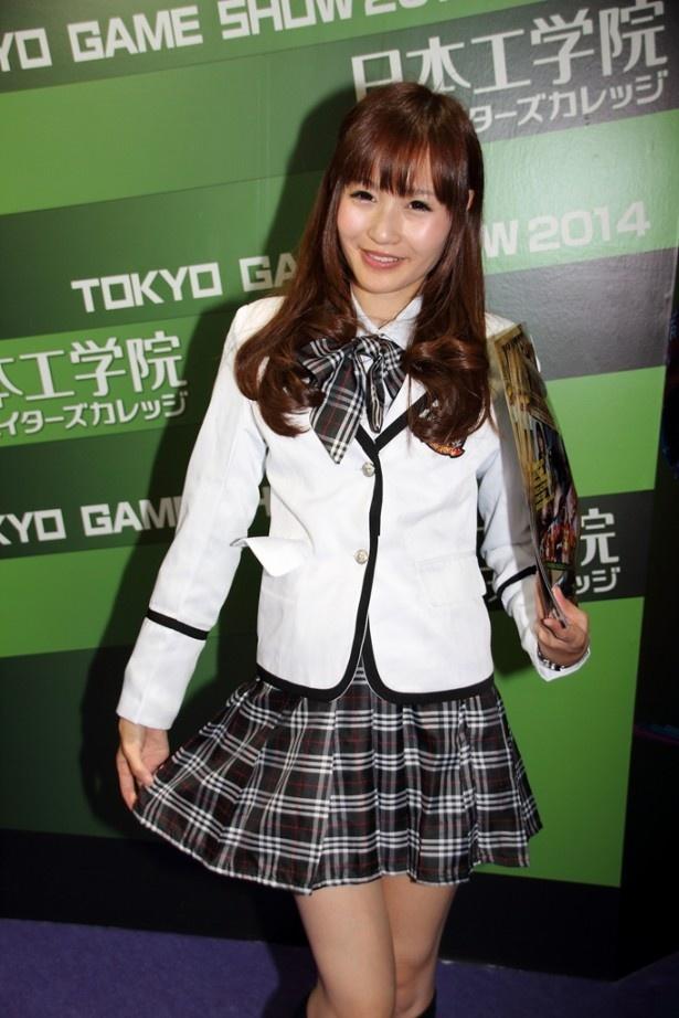 「東京ゲームショウ2014」には他にもコンパニオンがいっぱい! 日本工学院のコンパニオン