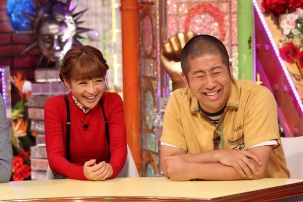 【写真を見る】ブータン土産を見た鈴木奈々は「やだー!」と絶叫