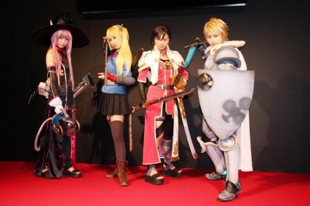 新番組「実在性ミリオンアーサー」のイベントに出席した(左から)佐藤麗奈 藤嵜亜莉沙、水越朝弓、横田美紀