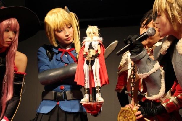 イベントでは「アーサー -剣術の城-」役の楠世蓮を忠実に再現したフィギュアもお披露目