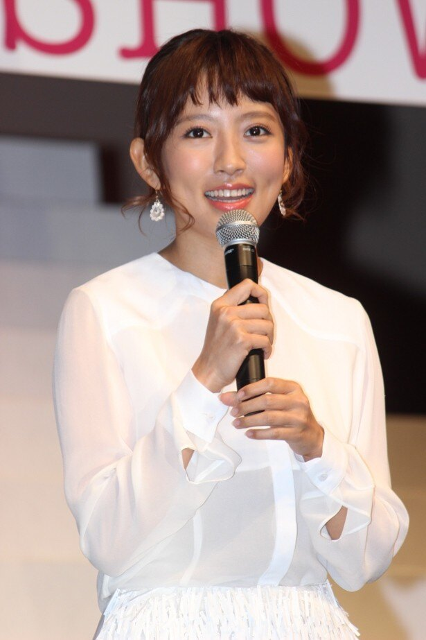 社長令嬢・筒井栞役の夏菜