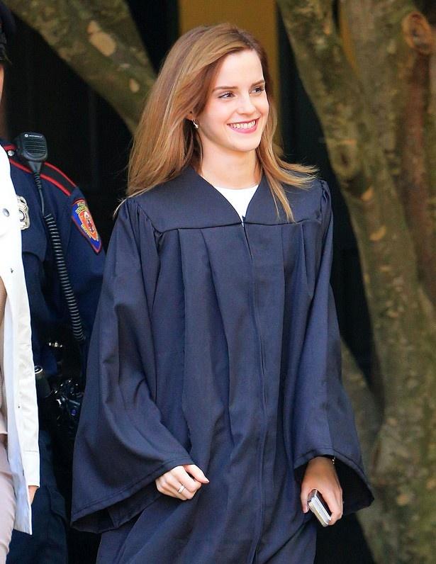 エマはブラウン大学を卒業している才女
