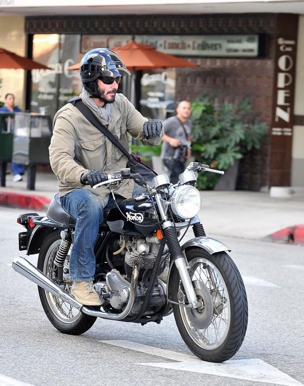 雨の日も風の日も可能な限りバイクに乗っていた