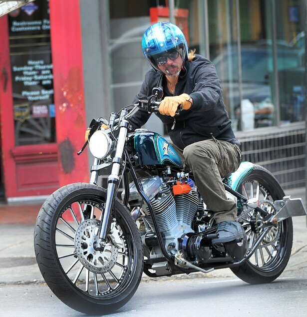 ブラピもバイク愛好者の一人