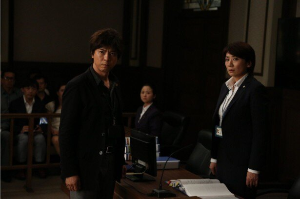 【写真を見る】上川がブレずに正義を貫く孤高の弁護士・佐方を熱演!