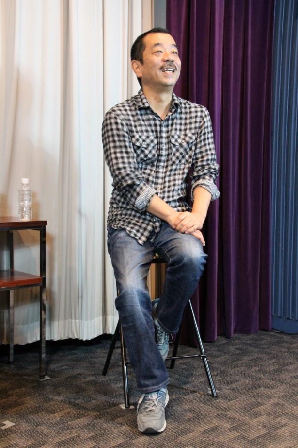 '09年の第1部から監督を務める松岡氏。ドラマ第三部と映画版の製作に「こんなに注目を浴びると思っていなかった」と取材陣の多さに驚く