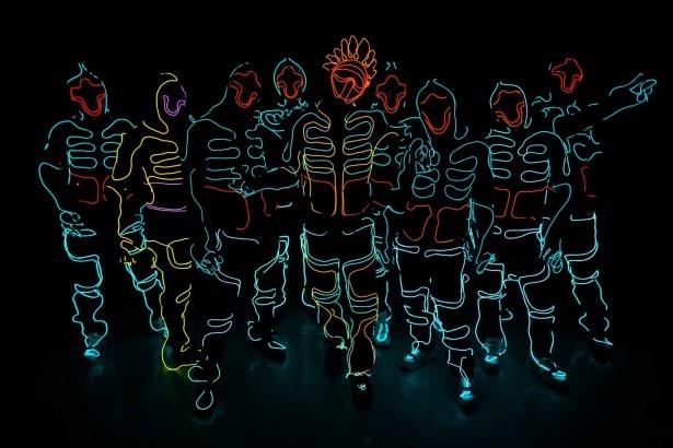 創造性の高いパフォーマンスで観客を魅了するダンス集団、WRECKING CREW ORCHESTRA