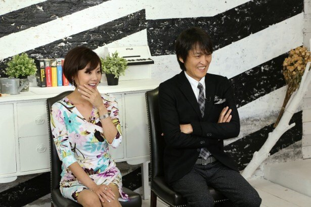 MCを務める千原ジュニアと高橋真麻
