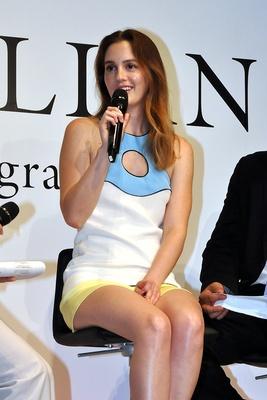【写真を見る】とにかく美しい!女優業、歌手業について語るレイトン・ミースター