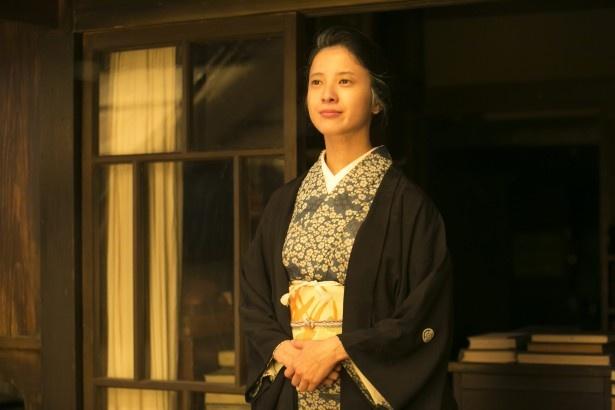 吉高が花子の10代から50代までを演じた (C)NHK