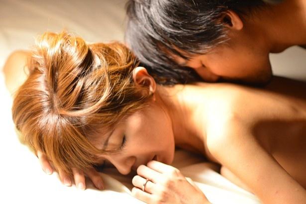 『妻が恋した夏』で妖艶なベッドシーンに挑戦した宮地真緒