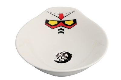 ガンダムデザインのとり皿。アッガイ土鍋とセットで使いたい