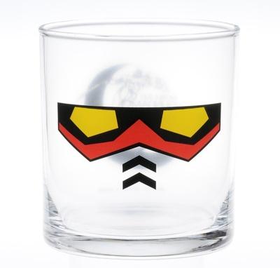 G賞のグラス。ガンダムの顔が描かれたバージョン