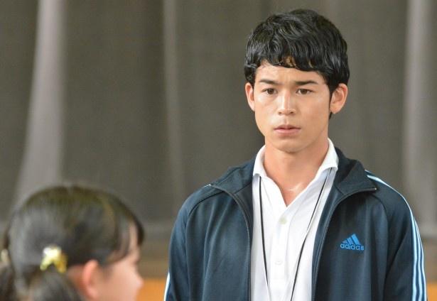 「ビンタ!」第4話にゲスト出演する菅谷哲也