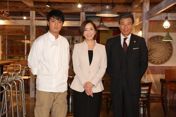 '15年1月スタートのドラマ「全力離婚相談」の取材会に出席した(写真左から)上地雄輔、真矢みき、舘ひろし
