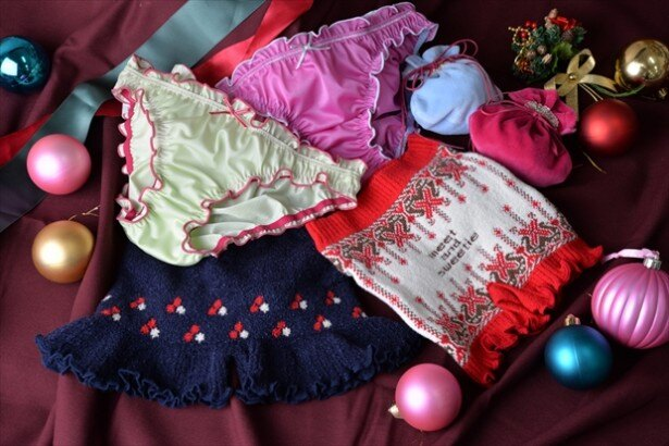 プレゼントにおすすめの巾着入りショーツ(税抜2000円)なども発売中!