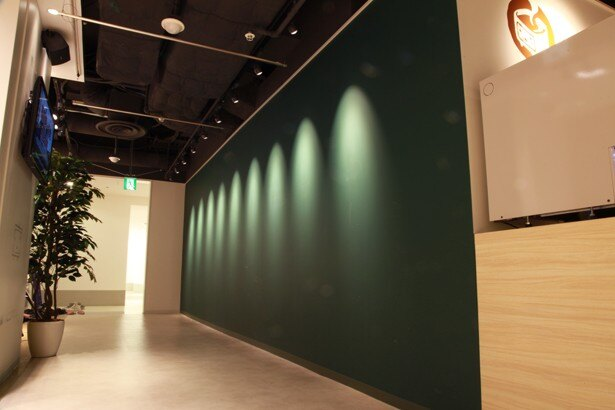 自由に書き込むことができる黒板も設置されている