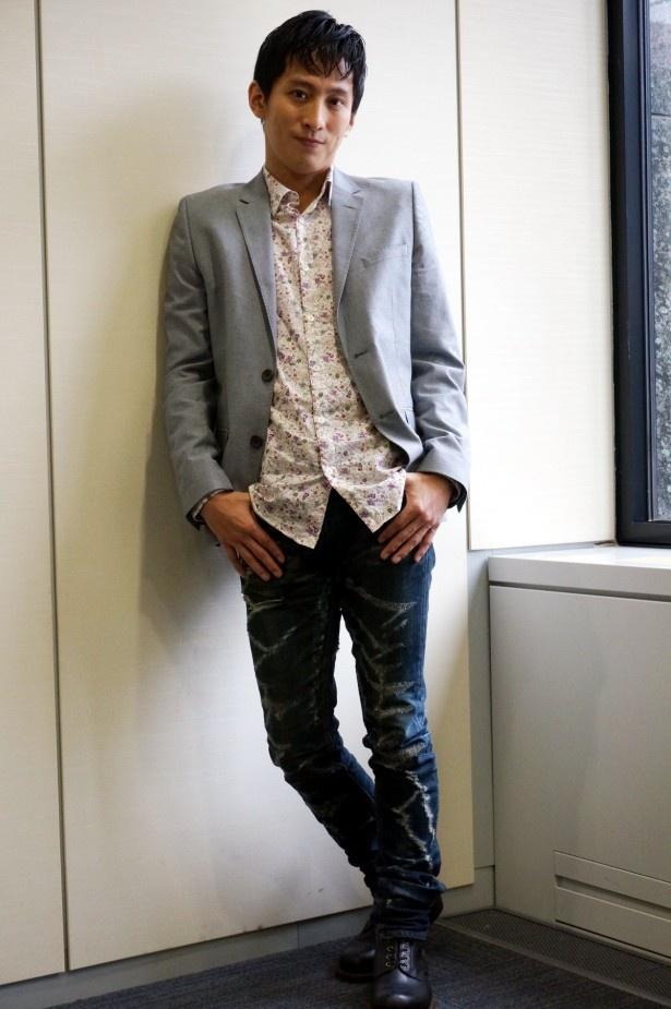 連続テレビ小説「マッサン」に鴨居商店の広報担当社員・紺野で登場する成河(ソンハ)
