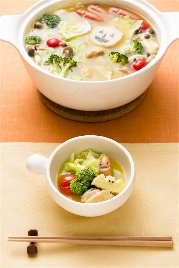 コーンやカボチャを中心とした野菜の旨味と甘味に、バターのコクと野菜ブイヨンの旨味を効かせ、ポタージュ味に仕上げたスープ「やさいポタージュ鍋スープ」を使用