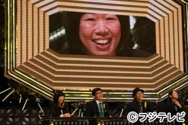 【写真を見る】伊藤修子は全国の芸人1719人のトップに立ち、「IPPONグランプリ」への出場権を獲得!