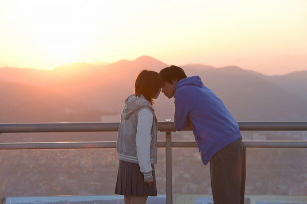 監督は『ホットロード』(14)のなど青春映画を数多く手がける三木孝浩