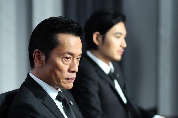 松田演じるケンイチの父親役で登場する遠藤憲一