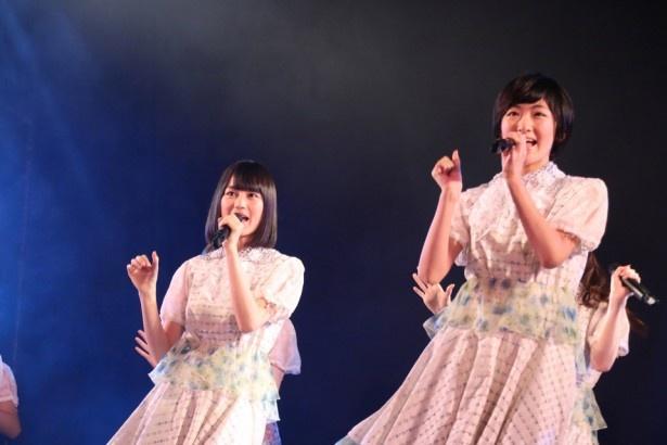 【写真を見る】学園祭では生田絵梨花(左)、生駒里奈(右)、橋本奈々未による告白企画も