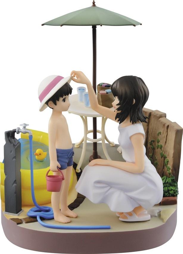 A賞は、幼少時の碇シンジと母親の碇ユイを立体化したビネット