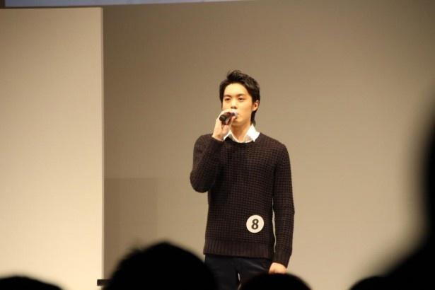 エントリーNo.8の福岡県出身、松本享恭(19)は福山雅治のヒット曲「道標」を熱唱