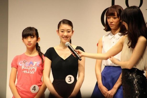 会場でバレエを披露した小林京香は、練習を14年間続けてきたことを明かす