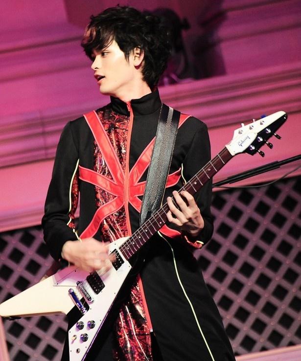 カスタマイZのGORO(ボーカル&ギター)