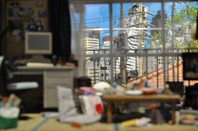 「内引きセット」で特撮を体験!友人の家から崩壊した町をのぞいているかのような臨場感が!