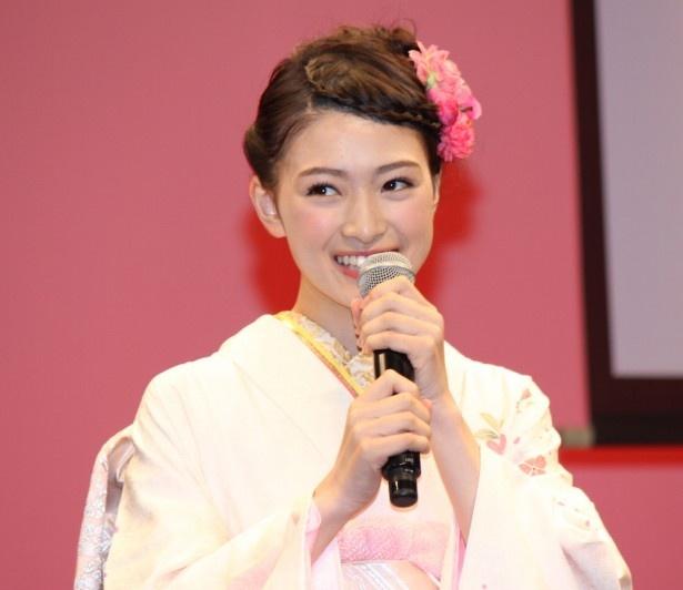 高瀬翔子役の優希美青