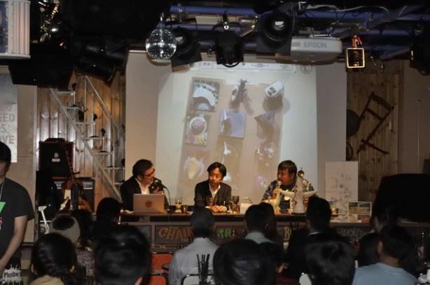 宮脇社長は太陽の塔フィギュアを作るきっかけになった「タイムスリップグリコ大阪万博編」を持ってきてくれた