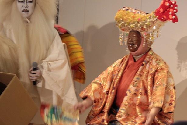 名古屋を象徴するエビフライを頭にかぶった福之神