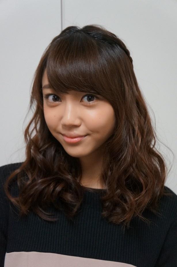 """【写真を見る】""""コケティッシュサタン""""こと結衣を演じる山谷花純は18歳の期待の若手女優!"""