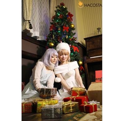 12月まで撮影が楽しめる、期間限定のクリスマス風セット。キャラクターの幸せなクリスマスを妄想してみる!? ※写真はHACOSTADIUMcosset大阪日本橋店「音楽家の部屋」季節限定クリスマス仕様