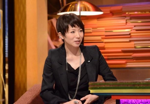 スタジオではMC・中村正人とトークを展開
