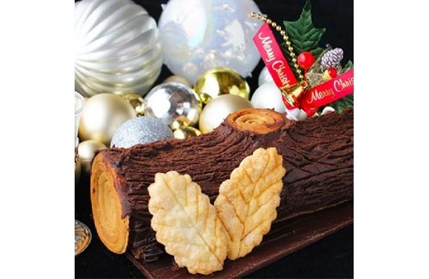 製造数が限られるため「幻のノエル」と呼ばれている池ノ上ピエールの「ノエルショコラ」(4617円)。1次選考を通過した濃厚な大人のクリスマスケーキ