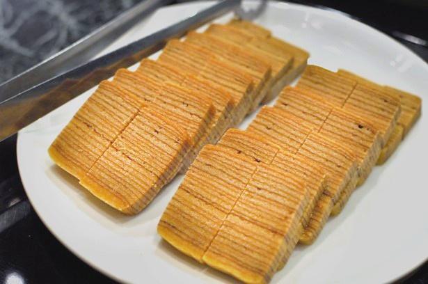 マレーシアではポピュラーな焼き菓子、クエは柔らかな食感がクセになる